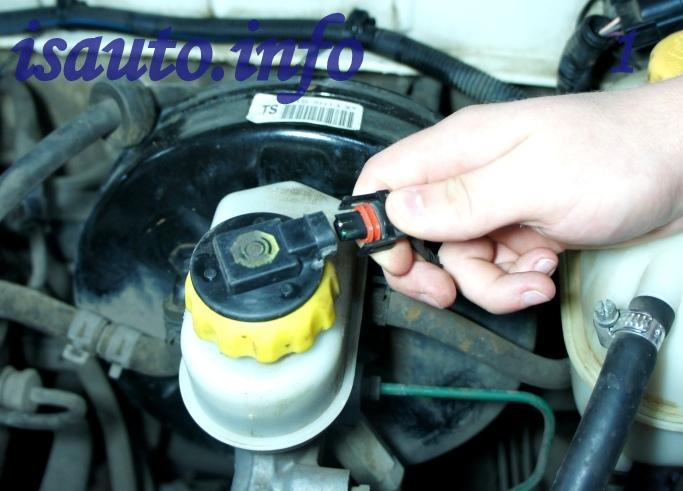 Как заменить главный тормозной цилиндр на автомобилях Деу Ланос (Daewoo Lanos), Деу Сенс (Daewoo Sens), Деу Нексия (Daewoo Nexia), Шевроле Ланос (Chevrolet Lanos), самостоятельно